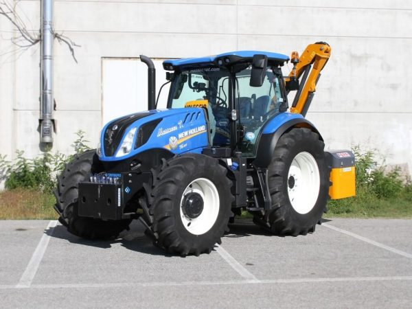 new_holland_t6-165_01